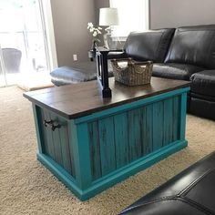 Use Pallet Wood Projects to Create Unique Home Decor Items – Hobby Is My Life Diy Home Decor Rustic, Handmade Home Decor, Unique Home Decor, Home Decor Items, Shabby Chic Kitchen, Shabby Chic Homes, Shabby Chic Decor, Furniture Projects, Diy Furniture
