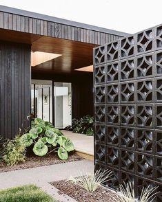 Extraordinary Breeze Block Ideas For Beautiful Home Style 170 – DECOOR cinder block wall Style At Home, Breeze Block Wall, Privacy Fence Designs, Privacy Screens, Building Raised Garden Beds, Garden Design, House Design, Patio Design, Design Exterior
