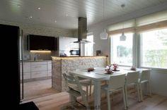 Casa Arco - keittiö   Asuntomessut Kitchen Dining, Kitchen Island, Dining Room, Architecture, Table, Furniture, Home Decor, Heart, Arch