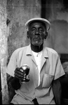 Chachá Vega, founding member of Los Muñequitos de Matanzas. Afro Cuban, Orisha, Latin Music, The Darkest, Caribbean, African, Drummers, Dandy, Puerto Rico