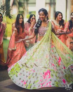 Unique patterned offbeat lehenga choli for this wedding season is being preferred over red. Choose a lehenga that makes everyone's hearts flutter. Multicolored lehenga to slay your bridal look this season. Indian Wedding Outfits, Bridal Outfits, Indian Outfits, Wedding Dresses, Indian Clothes, Wedding Wear, Summer Wedding, Hair Wedding, 30 Outfits