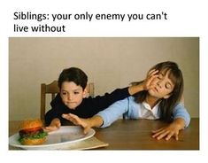The Best Sibling Memes about Sister and Brothers - Funny Quizz Siblings Funny, Sibling Memes, Funny Spanish Memes, Spanish Humor, Sibling Fighting, Funny Quotes, Funny Memes, Memes Of The Day, Having A Bad Day