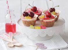 Kirschmuffins mit Shopping Queen Fruchtgummis