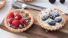 Tartellette vegane Waffles, Veggies, Breakfast, Desserts, Food, Aurora, Easy Recipes, Deserts, Morning Coffee