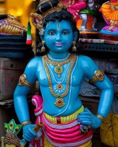 गोविन्द बोलो हरी गोपाल बोलो⠀⠀⠀⠀⠀⠀ श्रीराधा रमण हरी गोविन्द बोलो 🙏  #Krishna #LordKrishna #HareKrishna #Pandhari #Pandharinath #Pandharpur #Krishna #krishnamantra #Geeta #bhagwat #krishna #krishnamantra #mantra #mantratips #vedicmantra #gopal #mahabharat #mahabharata #lord #BhaktiSarovar Señor Krishna, Krishna Temple, Krishna Statue, Cute Krishna, Radha Krishna Photo, Krishna Photos, Janmashtami Images, Happy Janmashtami, Pakistan