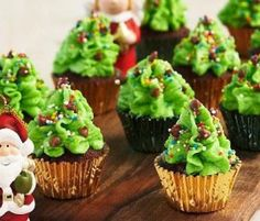 Mini Xmas Tree Cupcakes: Perfect for this seasons parties. http://www.bakers-corner.com.au/recipes/cupcakes/mini-xmas-tree-cupcakes/