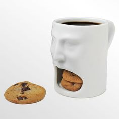 hmm...I'm hungry. Let me just pull a cookie out of the mouth of my coffee mug :O