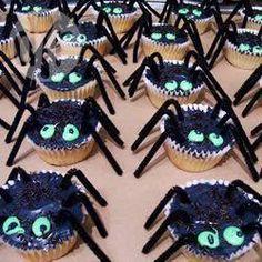 Das Rezept für die Halloween-Spinnen Muffins gibts auf Allrecipes@ de.allrecipes.com