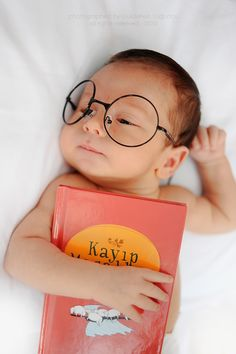 Monthly Baby Photos, Newborn Baby Photos, Baby Boy Newborn, Cute Baby Boy Images, Cute Baby Videos, Baby Pictures, Funny Baby Photography, Newborn Photography Poses, Baby Shots