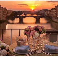 """""""Breathtaking!! Florence, Italy. http://www.where2holiday.com/destination/florence"""
