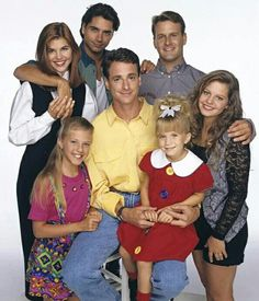 8 Things Fuller House Needs to Bring Back: It's official! The Full House reboot, Fuller House, is coming to Netflix in Full House Seasons, Fuller House Cast, Stephanie Tanner, Dj Tanner, Uncle Jesse, John Stamos, Candace Cameron Bure, Cinema, Back Row