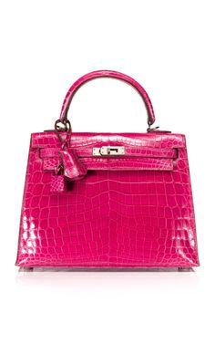 Fuchsia Shiny Nilo Crocodile Kelly by Hermes Vintage Hermes Bags, Hermes Handbags, Fashion Handbags, Purses And Handbags, Fashion Bags, Fall Handbags, Gucci Purses, Hermes Birkin, Leather Handbags