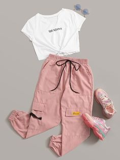 Casual styles 844002786406616565 - Multicolor Letter Graphic Knot Front Tee & Cargo Pants Set Source by cutespree Girls Fashion Clothes, Teen Fashion Outfits, Tween Fashion, Swag Outfits, Retro Outfits, Cute Fashion, Style Clothes, Girl Fashion, Teen School Fashion