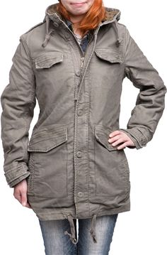 It's a shame most surplus jackets we stock are not specifically made for women. This here will remedy it: modeled after the German field parka; works on every season!