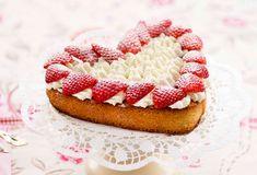 Rahm: Die Crème de la Crème   Betty Bossi Panna Cotta, Cheesecake, Desserts, Food, Five Ingredients, Gourmet Cooking, Recipies, Easy Meals, Tailgate Desserts