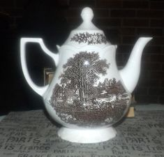 Vintage J&G Meakin Romantic England brown transferware tall coffee pot with lid. Magnifying Glass, China Patterns, Tea Pots, 1960s, Vintage Items, England, Romantic, Antique, Brown