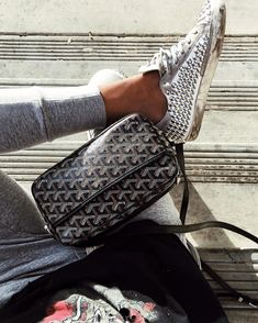 Sincerely Jules – Page 3 Goyard Bag, Sneakers Fashion Outfits, Outfits With Converse, Shop Sincerely Jules, All Black Converse, Sneakers Mode, Chanel Boy Bag, Women's Handbags, Purses