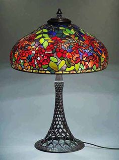 Google Image Result for http://www.tiffany-lamps.de/TIFFANY_LAMP_DOMES/22IN_TRUMPETVINE/AA.JPG