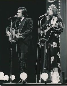 Archtop guitars an ode to legendary craftsmen country music johnny cash emmylou harris stopboris Image collections