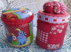 Saiba como decorar potes de vidro de forma artesanal, com o uso de tecido, pintura, biscuit e muito mais. E com isso tenha lindas peças decorativas em casa.