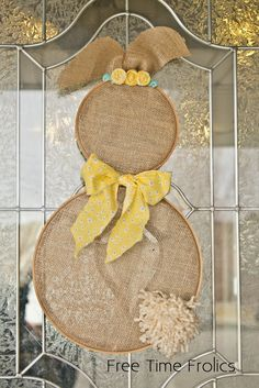 I would make this into a snowman! Embroidery hoop bunny with burlap www.freetimefrolics.com