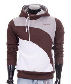 Bluza brązowa z kapturem 'Adamo' od Carlo Lamon to idealne zestawienie najmodniejszych kolorów. Bluza dostępna tu: http://lamon.pl/product-pol-6227-Brazowa-bluza-meska-z-kapturem-Adamo-od-Carlo-Lamon.html