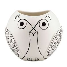 Owl vase... They also had Salt and pepper shakers for sale for 30 bucks... But GUESS WHAT?! I can make these from a Vace/Bowl I found at the dollar store!! :D Gift for myself and someone else I know who will be Repinning this!! ;) <3 You :D
