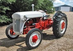 Ford 9N. Great tractor and what I learned to farm and ranch on.