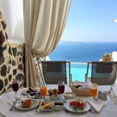 Good morning chic friends. #breakfast #goodmorning #summer #luxury