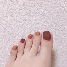 Pin on ネイル Pin on ネイル Classy Nails, Fancy Nails, Simple Nails, Pretty Nails, New Years Nail Art, Nail Polish Art, Feet Nails, Toe Nail Designs, Artificial Nails