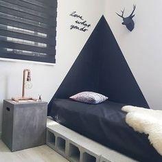 A luminária de cobre ficou perfeita no nosso home office. Muito obrigada @artesanatoemcobre 🖤 #diariodedecoração #casa #apartamento #escritorio #homesweethome #myhome #homeoffice #decoracao #decor #decoração #designdeinteriores #facavocemesmo #diy #concreto #ideiascriativas #ideiasdiferentes #minhacasa #instadecor #interiores #interiordesign #homedecor #roomdesign #room #pinterestbr #inspiração #inspiration #decoracaocriativa #copper #quarto #cobre