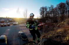 So what did you do at your desk today? #livetpåstation  #brandman #räddningstjänsten #rescueservice #firefighter #cvitamin #november #cfswe #rappelering #klättring #climbing #itsamazingoutthere #outdoors #domoreofwhatmakesyouhappy #goprooftheday #movefastliftheavy #allworkwork
