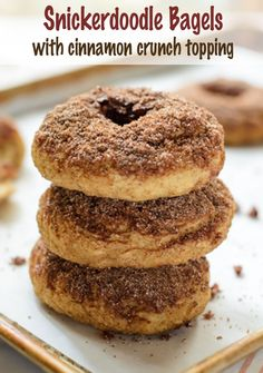 Snickerdoodle Bagels with Cinnamon Crunch Topping. Homemade bagels that taste just like a snickerdoodle cookie! Bagel Toppings, Cinnamon Crunch, Cinnamon Bread, Breakfast Recipes, Dessert Recipes, Sweets Recipe, Breakfast Bites, Homemade Bagels, Bread Machine Recipes