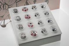 Bortolin Gioielli Udine - le nostre vetrine  #gioielli #orologi #Pandora. Visita il nostro sito www.bortolingioielli.it