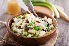 Brown Rice Salad With Apples, Dried Cranberries, and Peas Brown Rice Salad, Wild Rice Salad, Healthy Food Options, Healthy Recipes, Brown Rice Recipes, Clean Eating, Healthy Eating, Apple Salad, Salad Ingredients