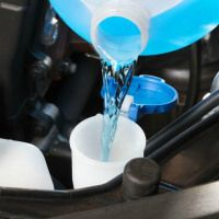 Windshied-washer fluid 1 gallon water 1 tblpn dish washing liquid 1/2 cup ammonia or vinegar Mix in a gallon-sized jug & fill your vehicle reservoir whenever needed to keep your windshield clean.