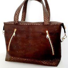 Filet Céline sur Instagram: Le liège associé au simili tressé, Java un sac avec de beaux volumes,porté épaule. Nous sommes dans l'automne avec ces nuances de marrons…