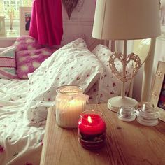 Perfect room and yankee candle is my love.