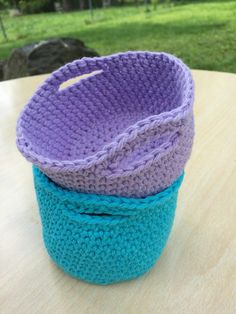 Mini Basket By Brittany Coughlin - Free Crochet Pattern - (ravelry) by jeannine Crochet Bowl, Easy Crochet, Free Crochet, Knit Crochet, Crochet Storage, Crochet Hooks, Crochet Baskets, Yarn Projects, Crochet Projects
