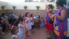 Nos envían fotos del viernes 18 de abril, fue el Cumple de Hugo 3 años en Coria del Río, allí estuvimos Chachi y Luna (Su hermana Lola es la que sale entre nosotras) para informaros de nuestros cumples y fiestas, en nuestra web: http://www.chachiypiruli.es/ #cumpleaños #fiestas #infantiles