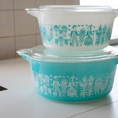 Vintage Pyrex. Be still my beating heart.