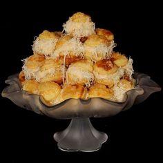 Egy finom Szakállas sajtos pogácsa ebédre vagy vacsorára? Szakállas sajtos pogácsa Receptek a Mindmegette.hu Recept gyűjteményében!