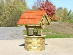 Amish Garden Wishing Well with Cedar Roof - Jumbo