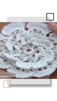 Knitting Videos, Crochet Videos, Crochet Leaves, Crochet Flowers, Paisley Pattern, Pattern Art, Crochet Stitches Patterns, Stitch Patterns, Crochet Hooks