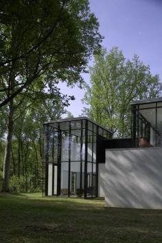 Black-And-White-Minimalist-House-Design- - mylusciouslife.com.jpg