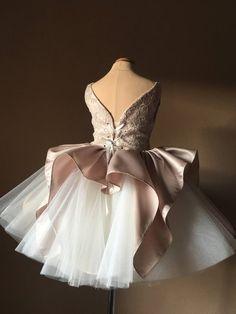 Trendy Ideas For Wedding Dresses Lace Champagne Tulle Flowers Tulle Flower Girl, Flower Girl Dresses, Tulle Flowers, Wedding Flowers, Custom Dresses, Vintage Dresses, Tulle Dress, Lace Dress, Little Girl Dresses