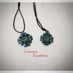 Chakana  Materiales: Porcelana fría con resina de gemelos. Técnica: Modelado y dibujado a mano. Encargo Precio 10.000 $ Temática: astros, amuleto, cultura , indigena, Cruz andina Es la primera vez que hago diseños de chakanas, espero que les guste y manden sus diseños. Whatsapp 319 277 21 13 #handmade  #chakana  #culture #amulet  #necklaces  #accesorios  #crecienteescarlata  #manualidades  #fasesdelaluna  #collar #modelismo  #craft #accesoriosvarios #indigena  #cruzandina #inca  #preincas…