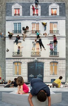 "Bâtiment (Building) Installation, by Leandro Erlich, gives visitors a chance to ""climb"" a building like a superhero. A large vertical mirror reflects a horizontal building facade. Visitors are encouraged to scale and jump around the facade. Interactive Installation, Interactive Art, Art Installation, Installation Architecture, Street Art, Instalation Art, Ecole Art, Funny Art, Banksy"