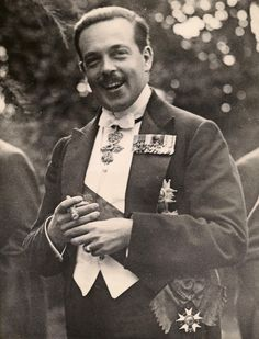 King Manuel II of Portugal wearing the Grand Cross of the Order of the Legion of Honour Portuguese Royal Family, Royal Photography, Grand Cross, Legion Of Honour, Southern Europe, Prince And Princess, Press Photo, Dream Wedding Dresses, Royalty