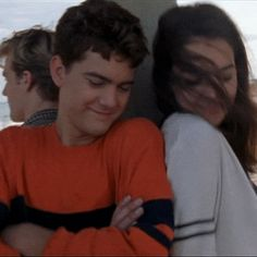 Dawson's Creek Season 2 theme song - Pacey and Joey Joey Dawson's Creek, Dawson Creek, Dawsons Creek Pacey, Pacey Witter, Joey Potter, Kevin Williamson, Netflix Movies To Watch, All Jokes, Opening Credits